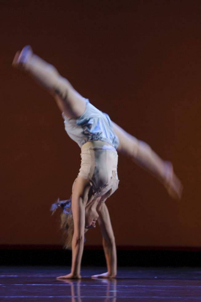 4+Handstand+Justine.jpg