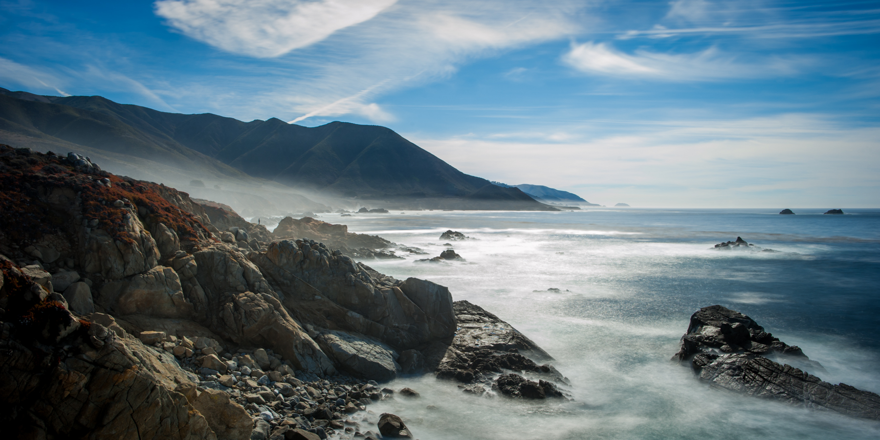 Big Sur Reverie ||  Somewhere along Highway 1 in Big Sur, a 15s long exposure of an unknown person looking out at the Pacific Ocean. ©Merima Helic