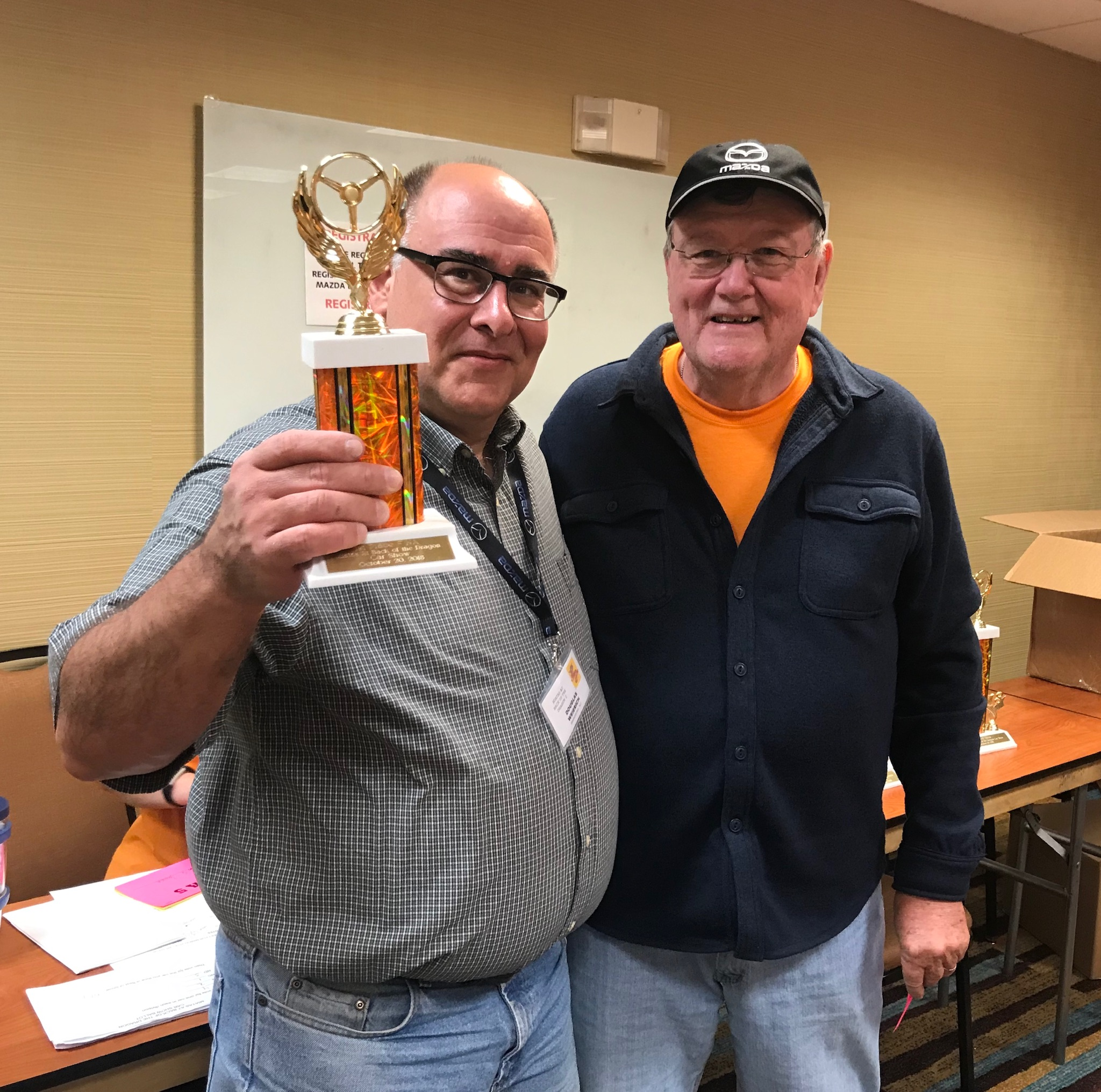 Jim Pickett presented the 1st Place - NA division trophy to Doug Weierich.