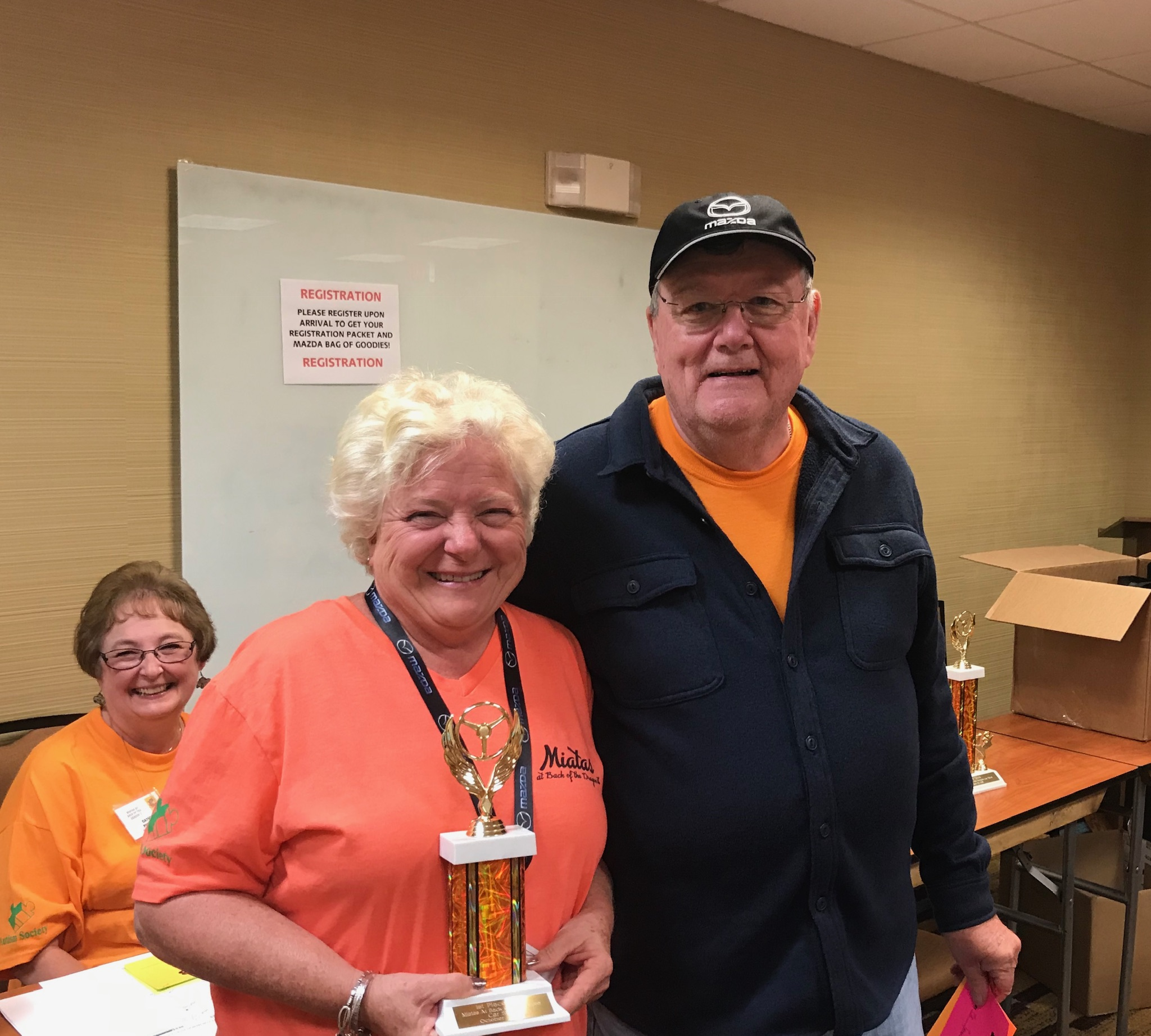 Jim Pickett presented the 1st Place - NB division trophy to Tena Hough.