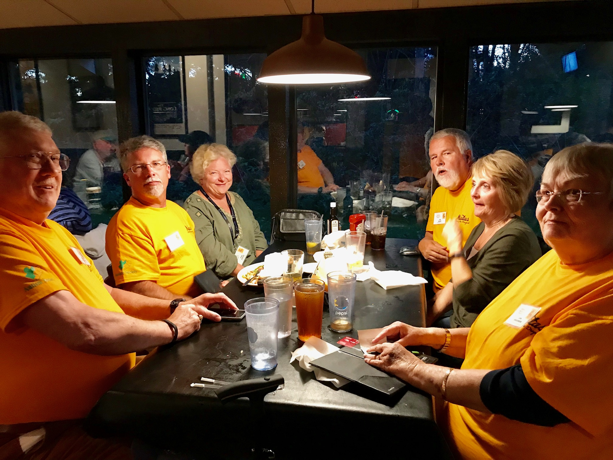 Saturday dinner at Sagebrush. Clockwise from left: Richard Anderson, Lee & Tena Hough, Tim & Cindy Beard, and Ann Anderson.