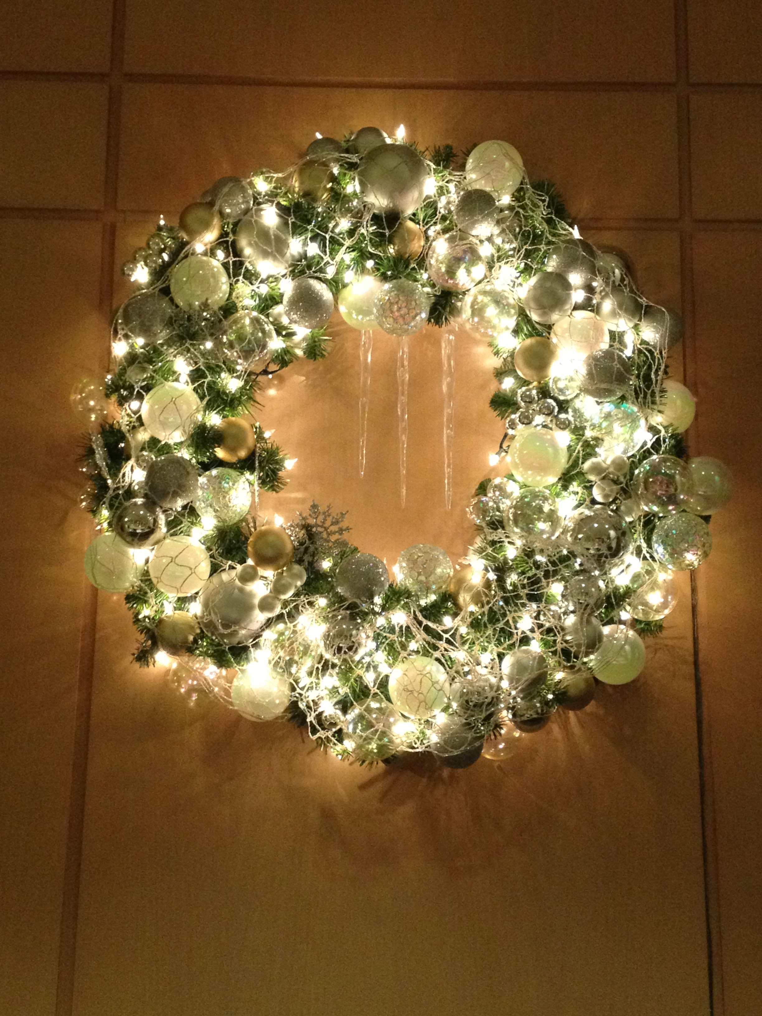island-wreath2.jpg