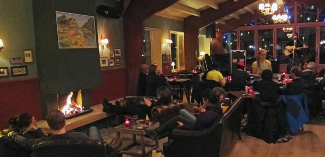 Restaurant and bar on site is the perfect place to cosy up with a good book and a nice ale.