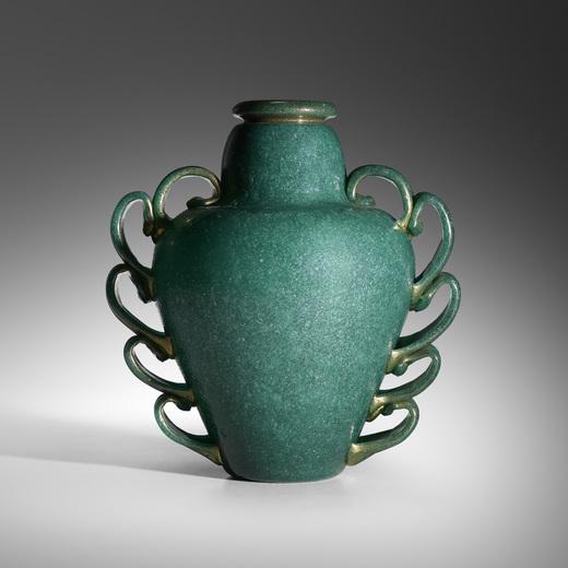 Pulegoso Vase, Napoleone Martinuzzi, ca. 1930, Italy. Image courtesy of Wright.