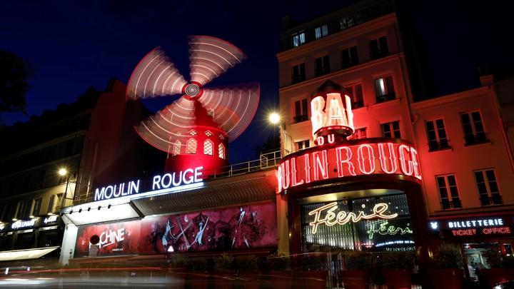 The Moulin Rouge cabaret in Paris (BENOIT TESSIER / REUTERS)