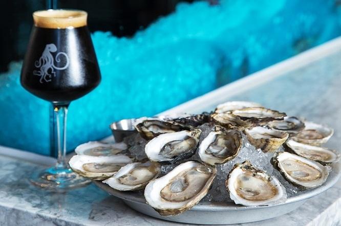 Teku of Pike XXXXX Stout with Tankard & Tun local oysters