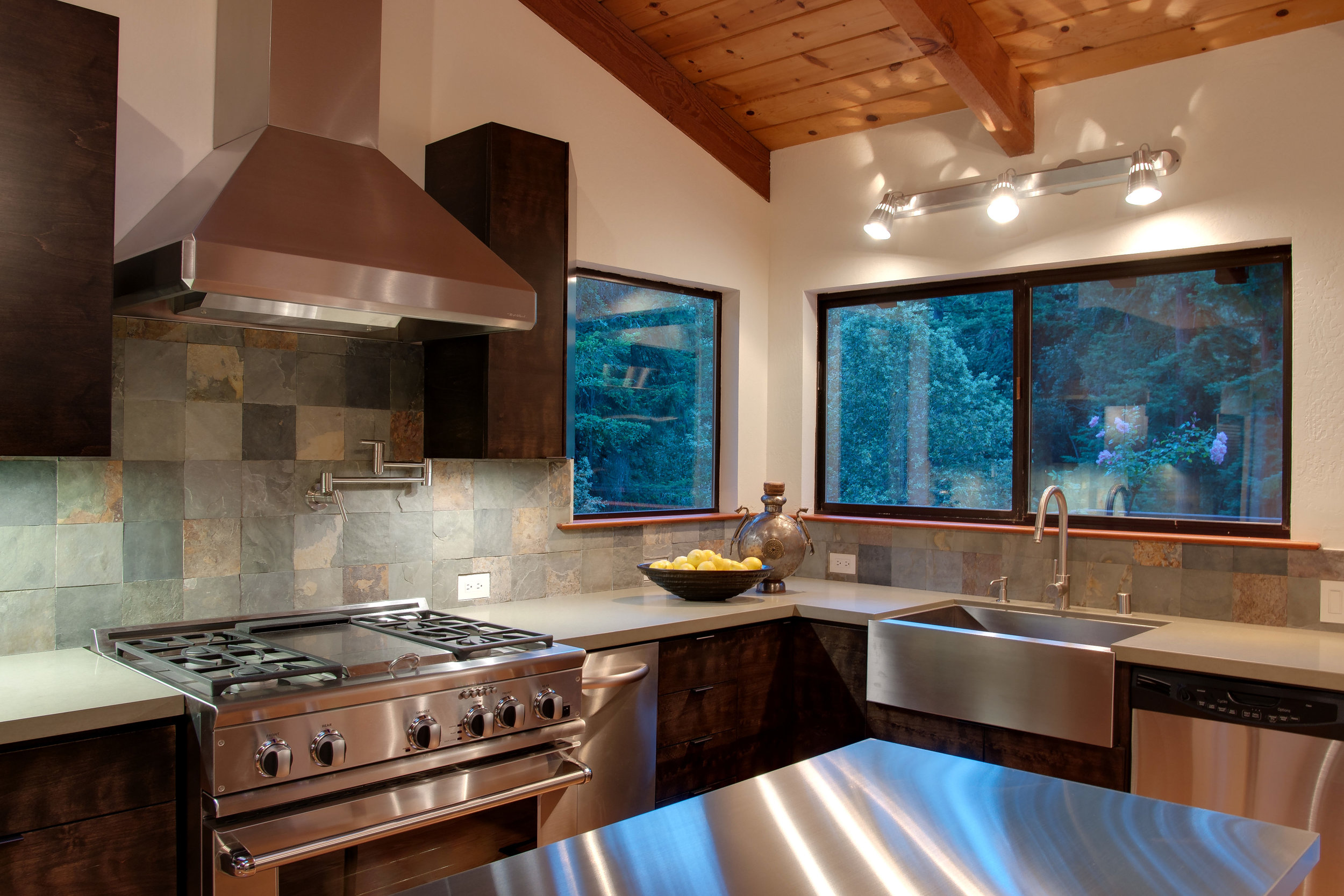 3_Kitchen_C.jpg