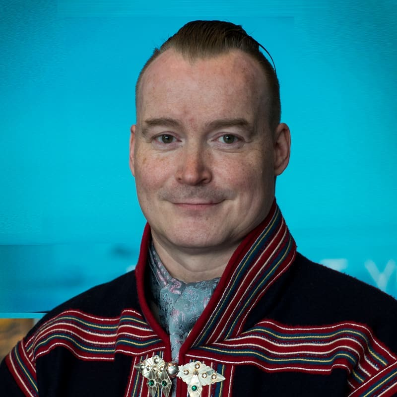 Anders Oskal - Anders is the Secretary General of the Association of World Reindeer Herders and Executive Director of International Centre for Reindeer Husbandry. He is a Sámi reindeer herder from Troms County, with a Masters degree in business administration. He has worked with indigenous issues, development and innovation on the national and international levels for over 20 years, while still taking part in his family´s reindeer herding. Oskal represents the Association of World Reindeer Herders in the Arctic Council, is an Executive Committee Member of the Arctic Economic Council, and was also a co-author of the 5th report of the UN Climate Panel. Oskal is the project leader for the Arctic Council EALLU project, who´s food book won the main prize of the 23rd International Gourmand Awards in 2018 in competition with 1 372 other books from 116 countries