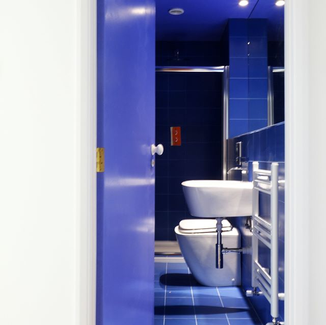 Colourful design @32mqDesignStudio #32mq #32mqDesignStudio #architecture #architecturelovers  #autogramtags #architectureporn  #archilovers  #design #designs  #designing  #modern  #bathroom #bathroompic  #bathrooms  #clear  #water  #loveforever  #happy  #lovley  #blue #forever #blu #colours  #colorful #love #tile  #lighting  #lamps  #wall #door