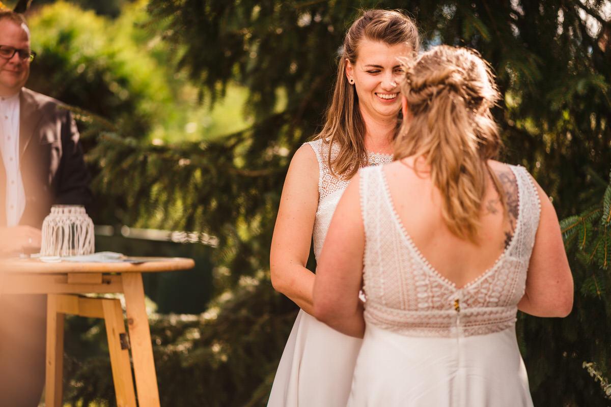 ©Photos-by-Markus-Jöbstl-2019-Gleichgeschlechtliche-Hochzeitsfotos-033.jpg