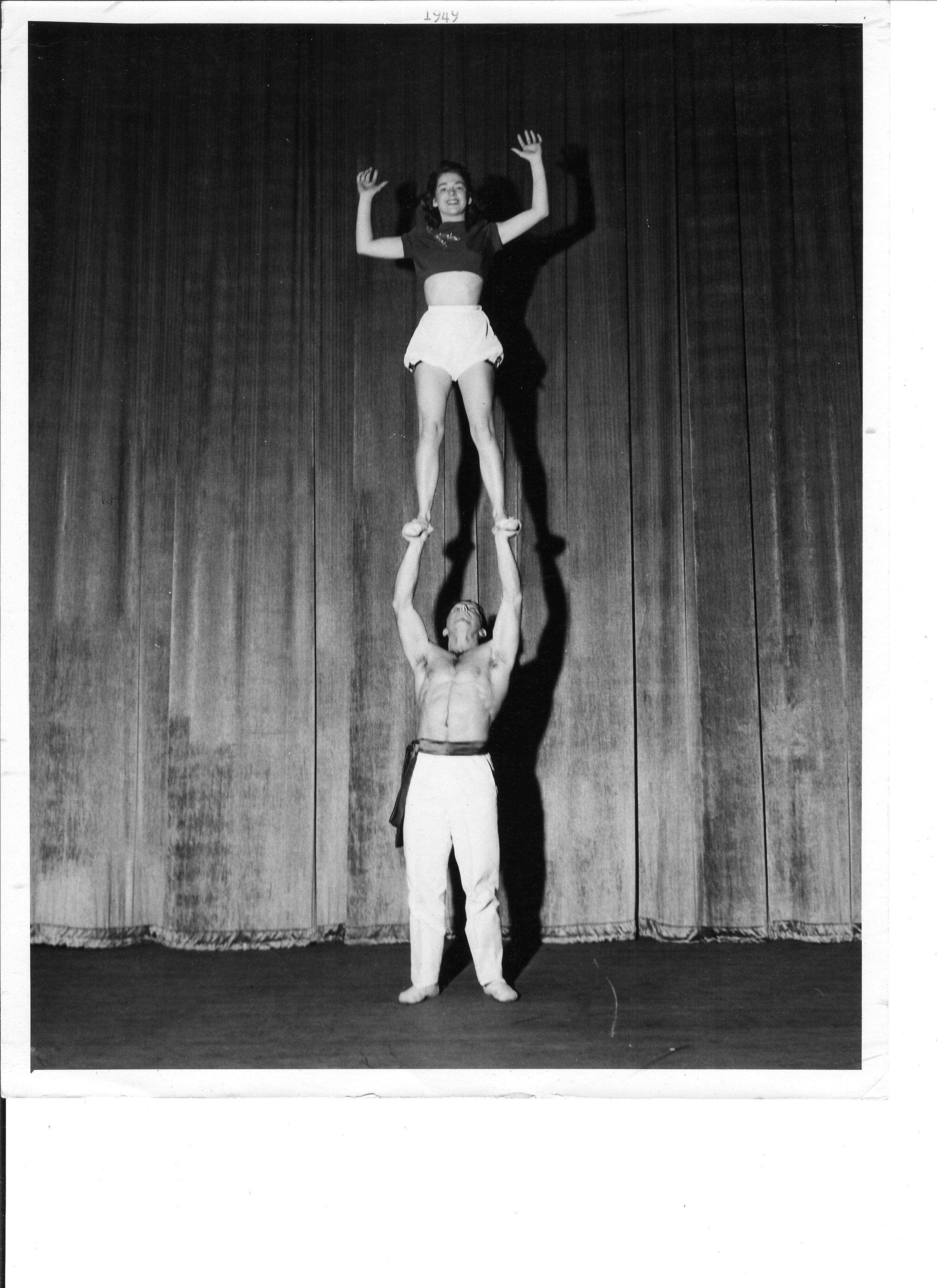 1949 Joan Mitchell and Chuck Finch.jpg