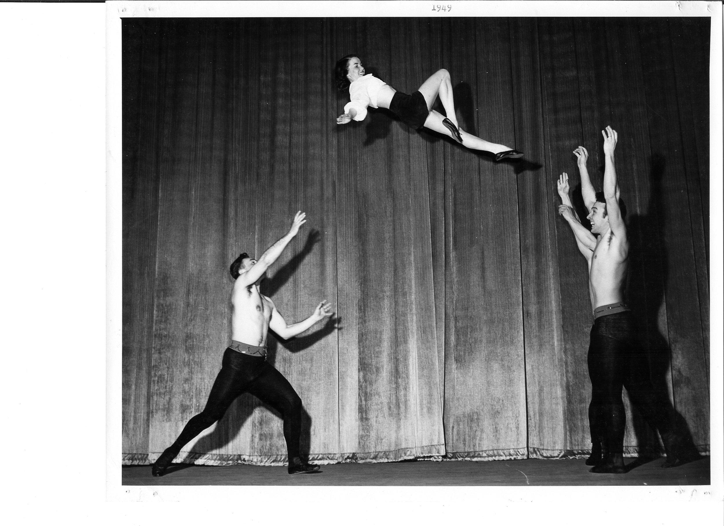 1949 Lois Jackson tossed by Bill Harris and Grady Bradford to....jpg
