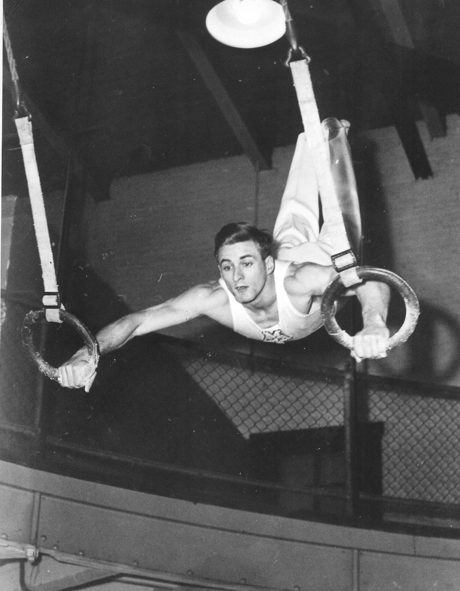 Al Kuckhoff on the Flying Rings (1950)