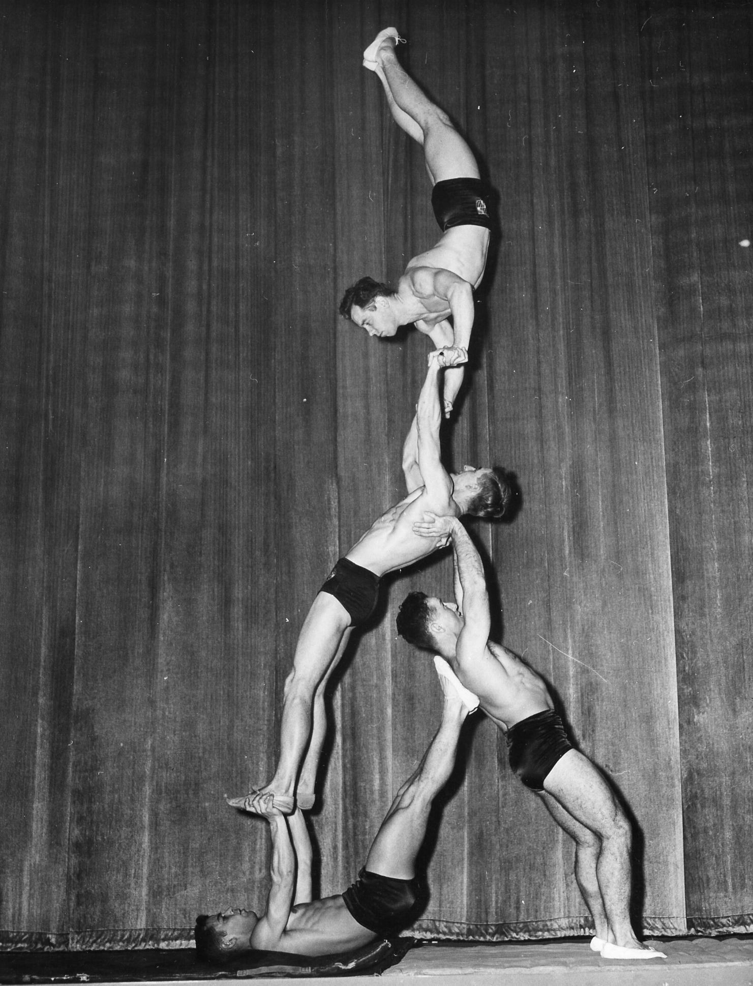 Men's Quads Balancing (1950)