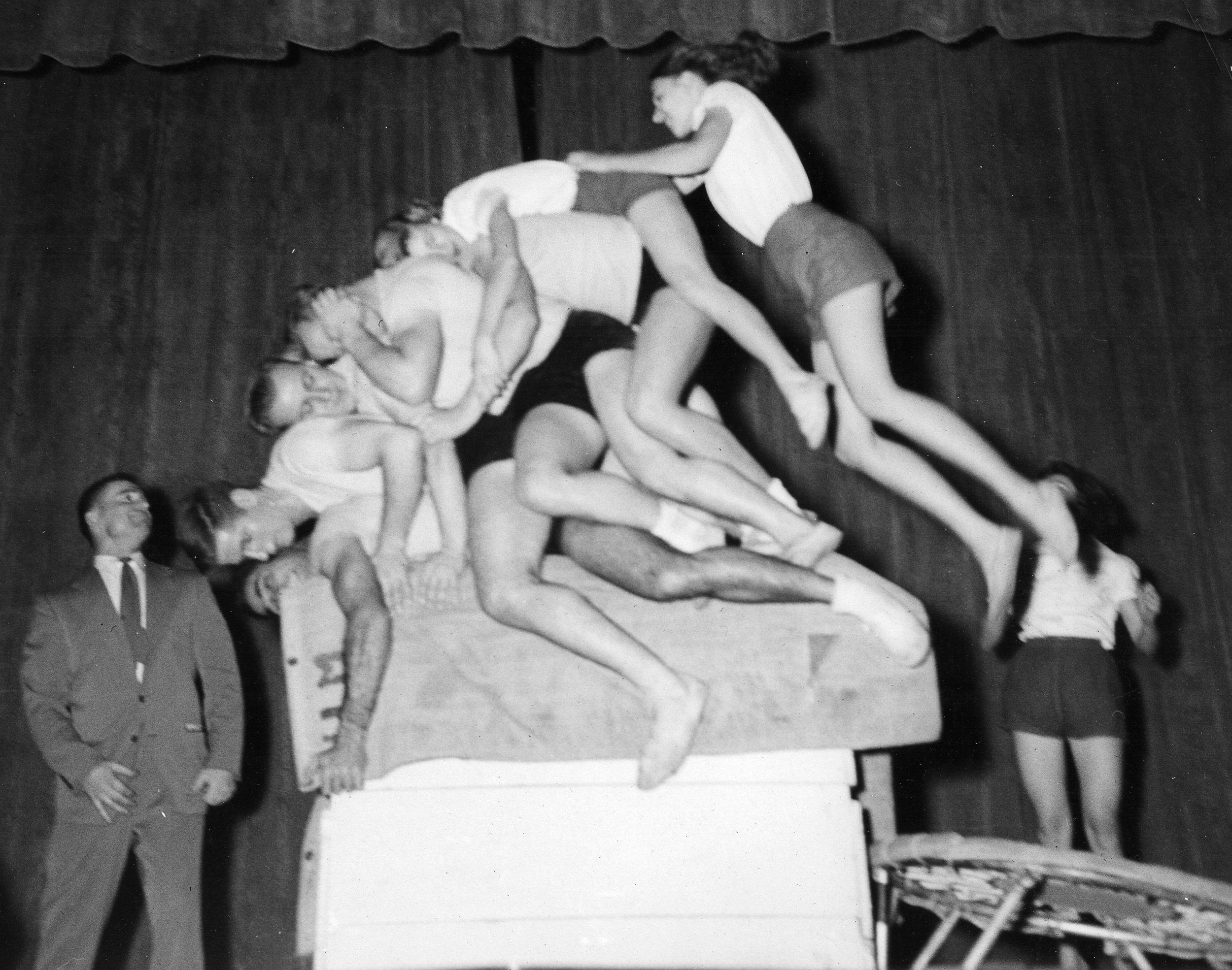 Vaulting 1953