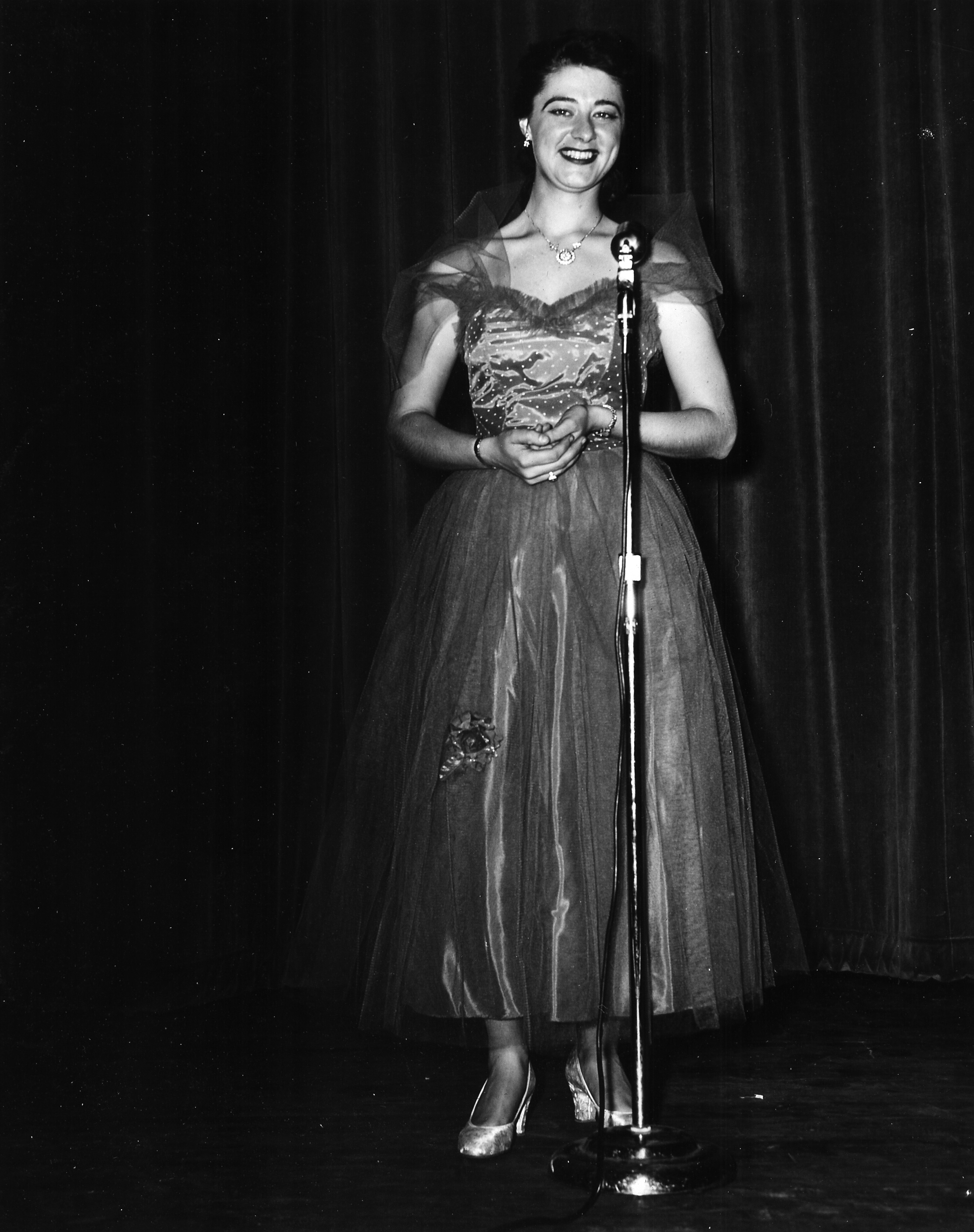 1953 Pat Nicholson - M.C.