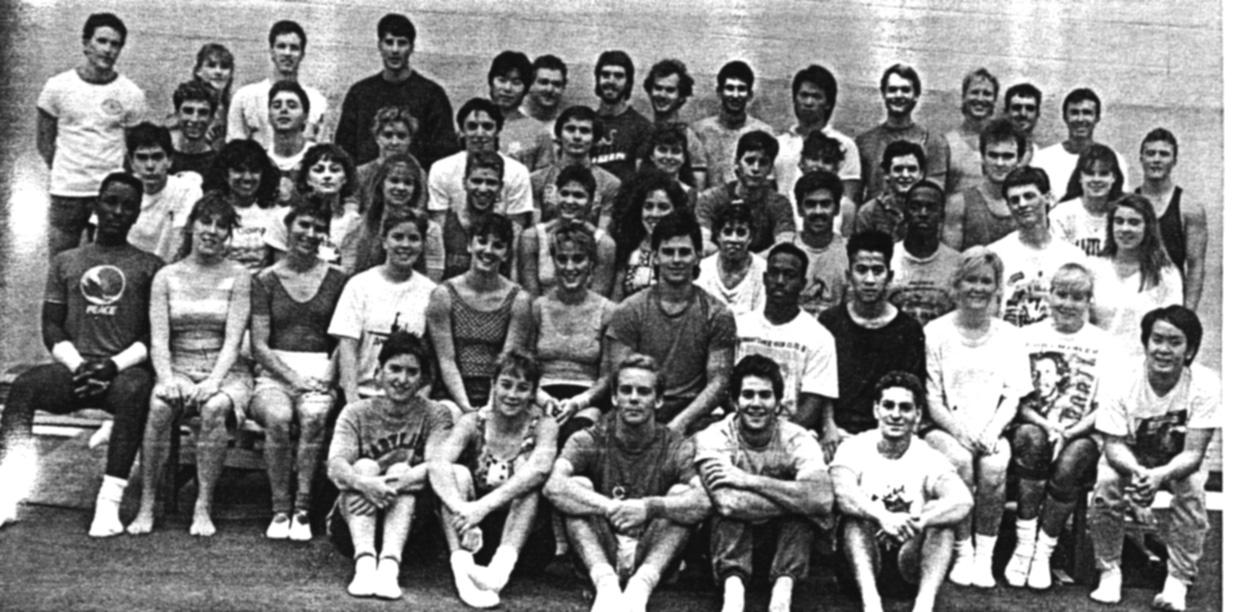 1989 Troupe.jpg