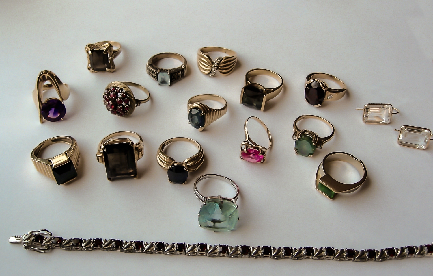 Collect all your old jewelry you would like to utilize.