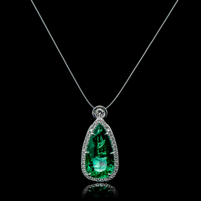 angela patton emerald pendant (1 of 1)-5.jpg