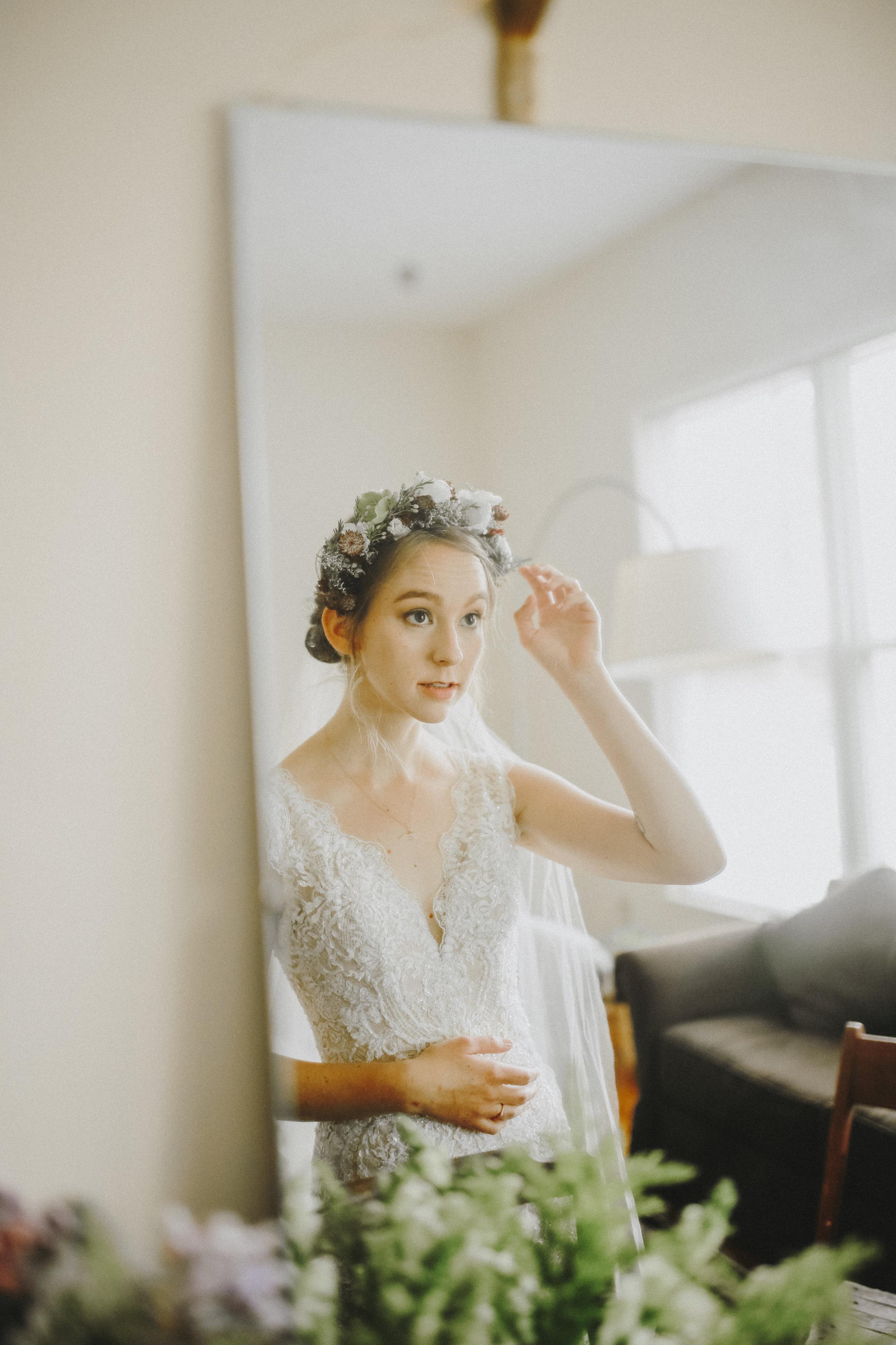 BrideGettingReady-176.jpg