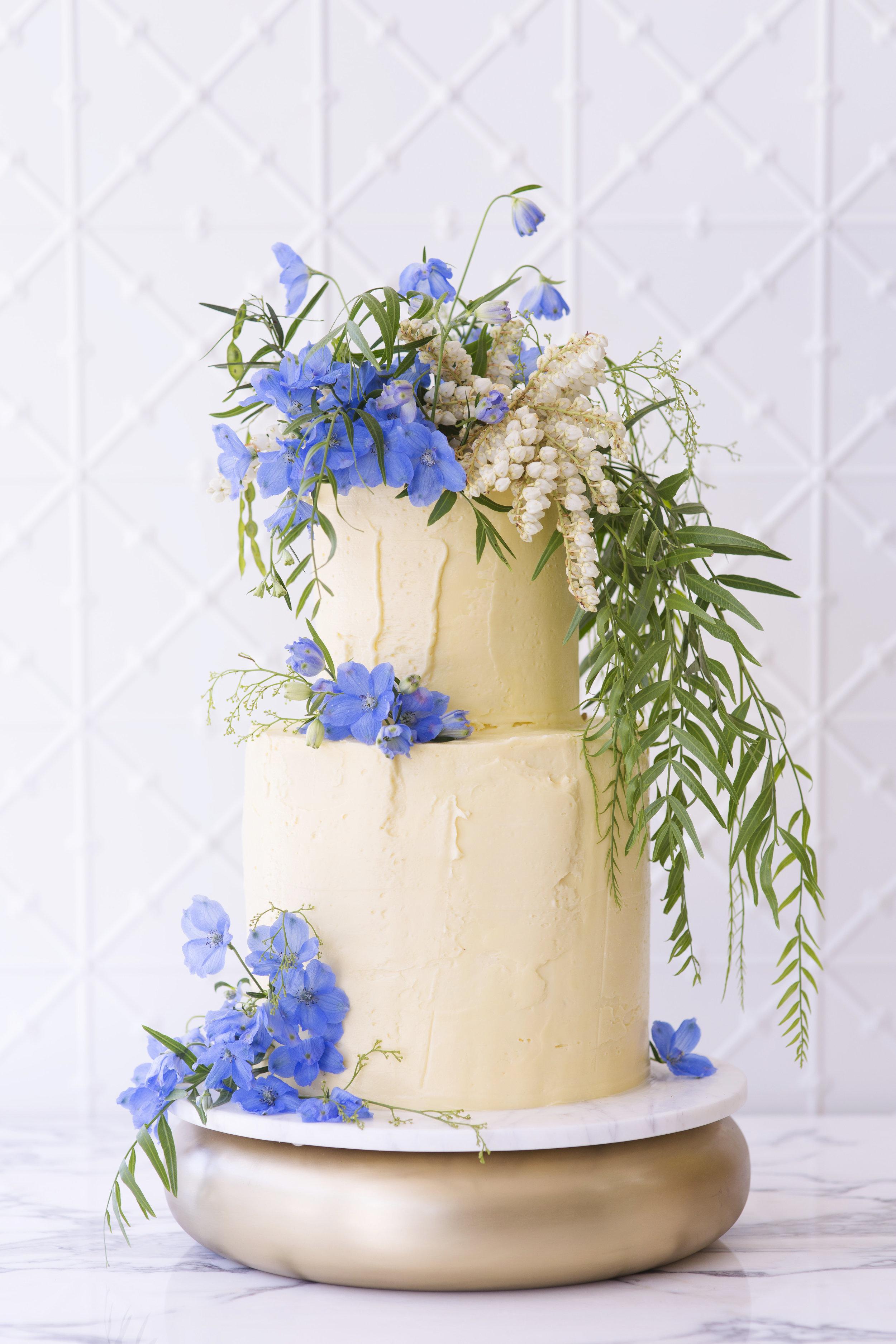 BLOODWOOD BOTANICA X Faye Cahill | Something blue wedding cake