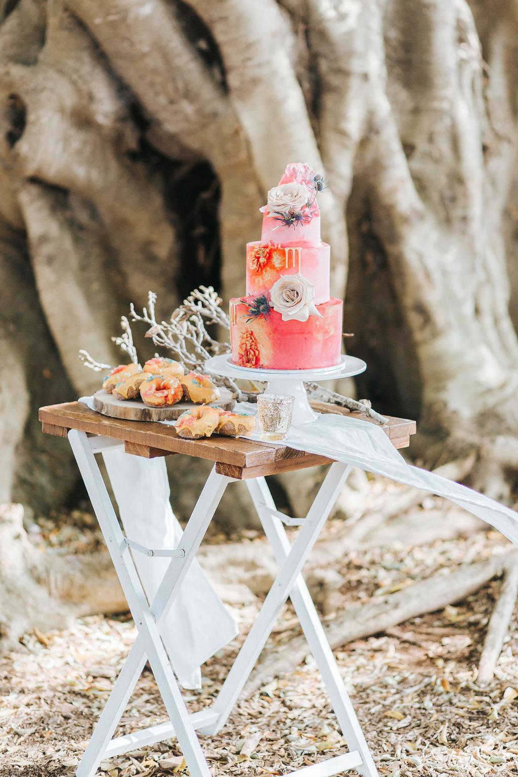 Bloodwood Botanica   Bohemian bright wedding cake