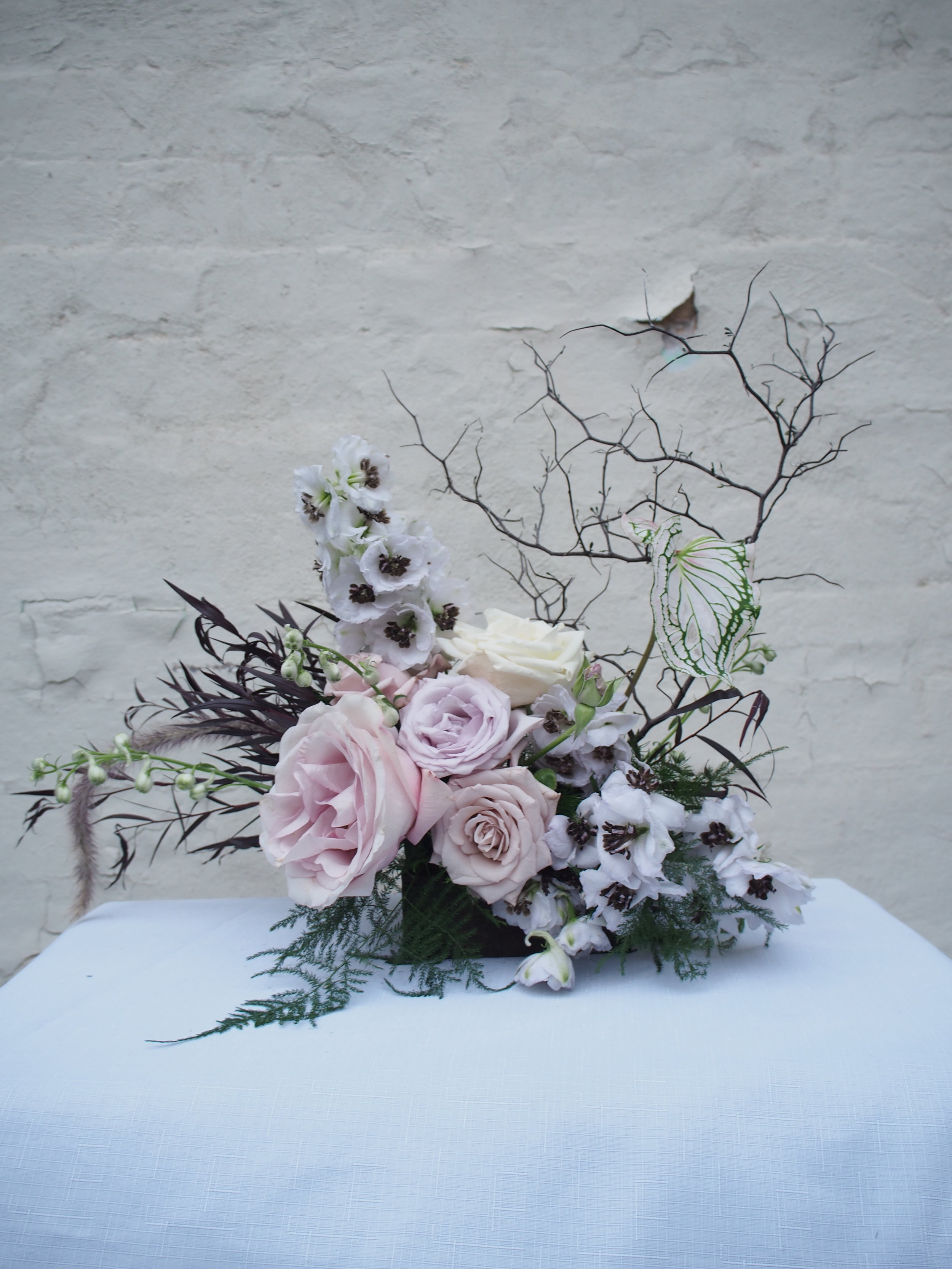 Bloodwood Botanica | Pale pink table centre flowers