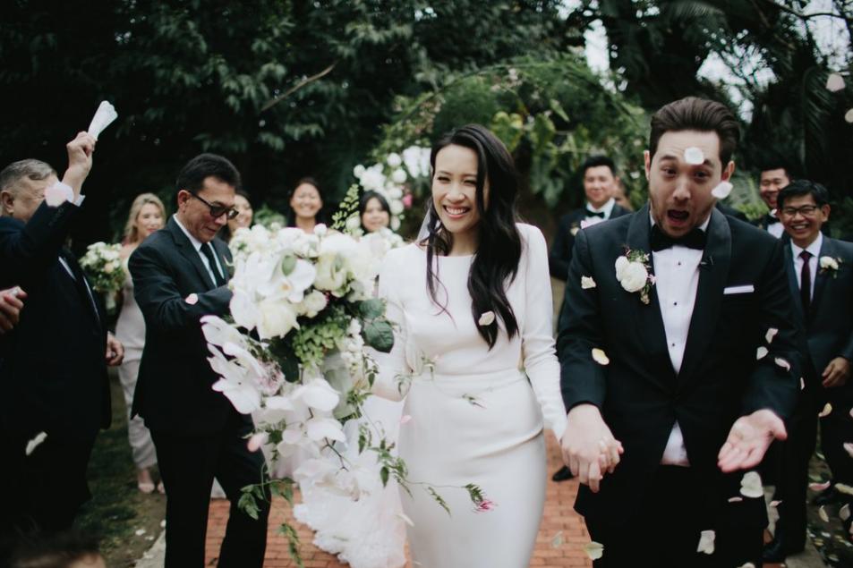 Petal throwing Noosa wedding florist