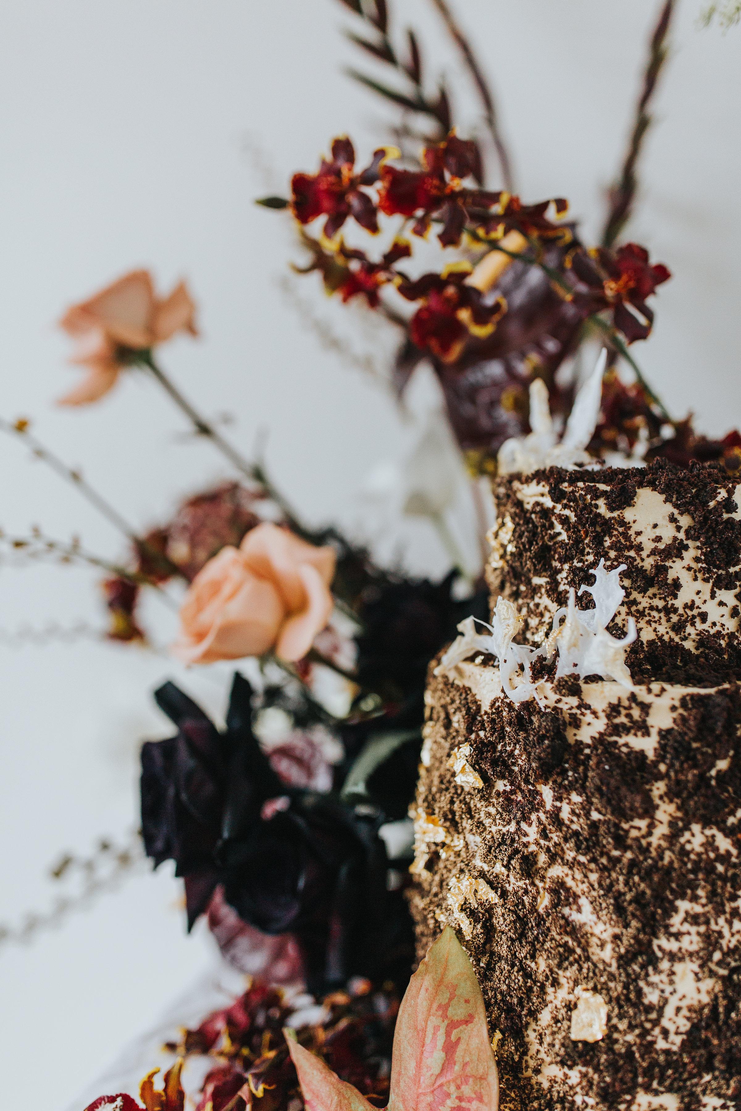 Bloodwood Botanica | Autumn Gold Cake