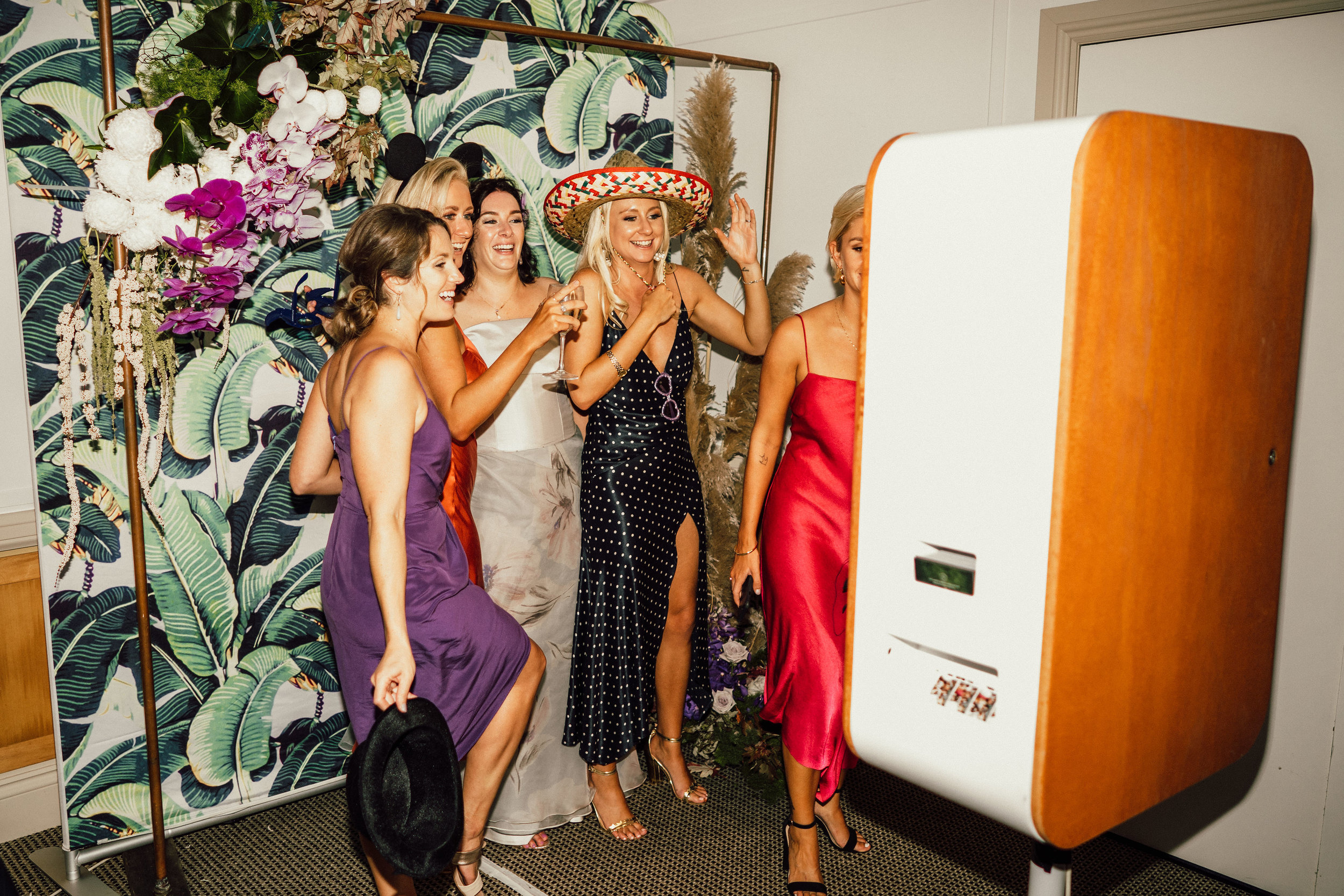 BLOODWOOD BOTANICA | Photo booth Noosa Springs