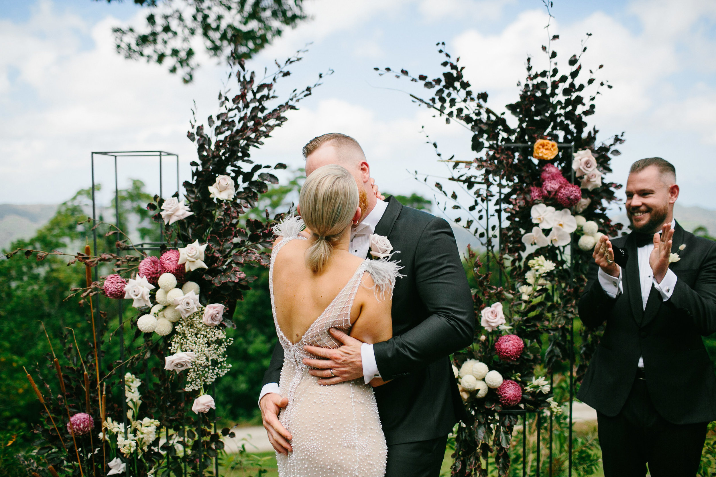 SB_w-384.jpgBloodwood Botanica | First kiss Happy couple byron bay wedding flowers