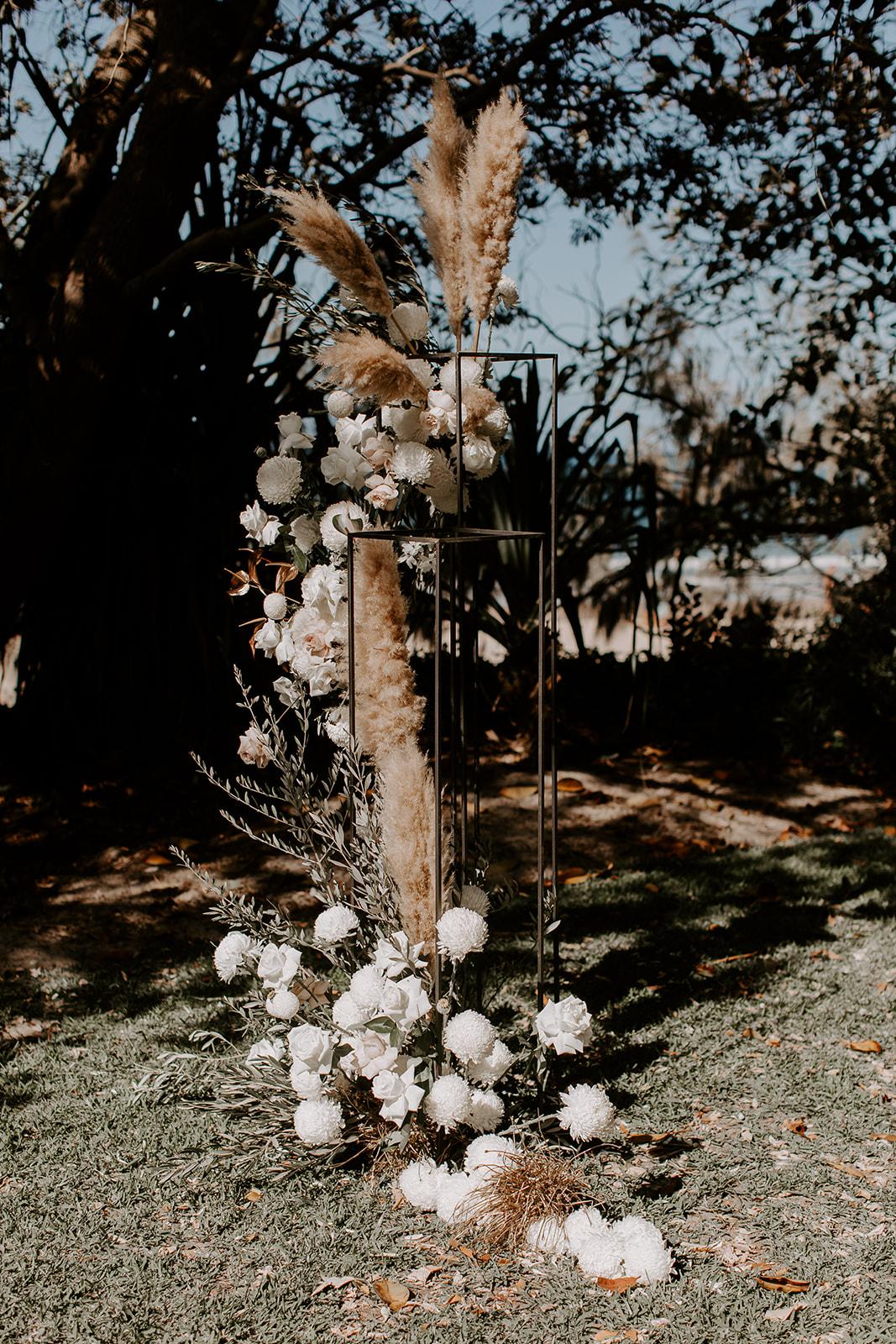 Bloodwood Botanica   FLORAL PLINTH