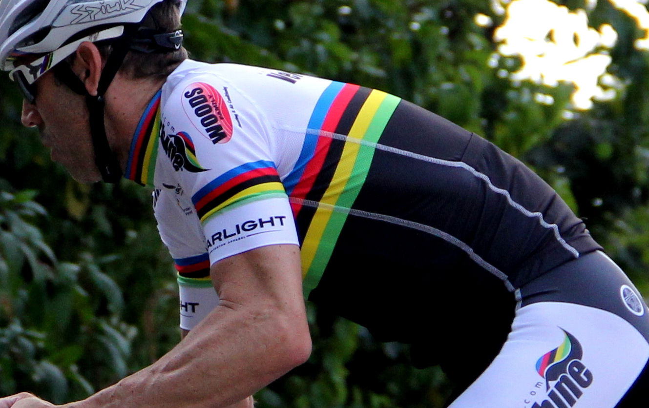 Scottie Weiss isn't just a champion graphic designer, he's also a World Masters champion. The lycra sleeves give a great pallet for his stripes.