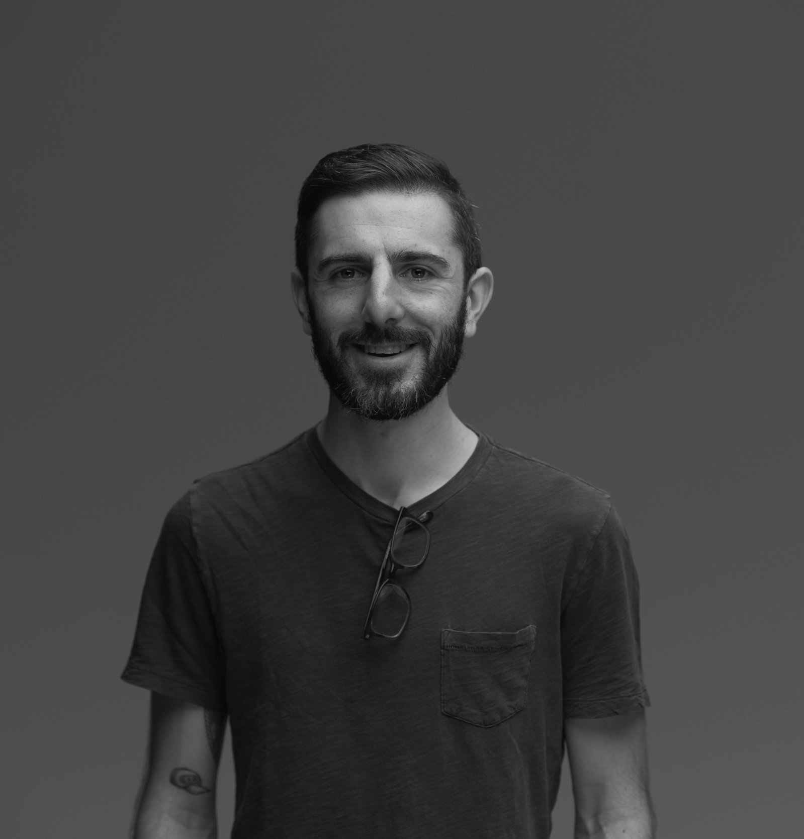 - Ben is a Creative Producer based in Brooklyn.He produces for agencies, production companies, and independently. Loves talking in third person.Fluent in social content, commercial, film, and reality/doc production models.Hiker, distance runner, and weekend photographer.benhassey@gmail.com