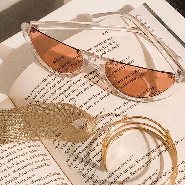 We love options! 💞 . . . . . #vbyvye #vsunnies #sunglasses #fashion #ootd #fashionista #losangeles #details #ootn  #accessories #summer #summerstyle #summerfashion #summerootd  #wiw #newyork #texas #fastfashion #affordablestyle #instafashion #inspodaily #westcoastfashion #lookbook