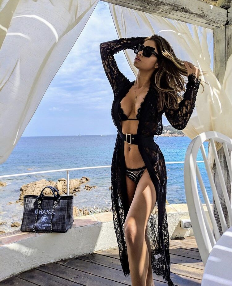 @ariannyceleste is wearing Domino Effect in black. via @girlfriendbox