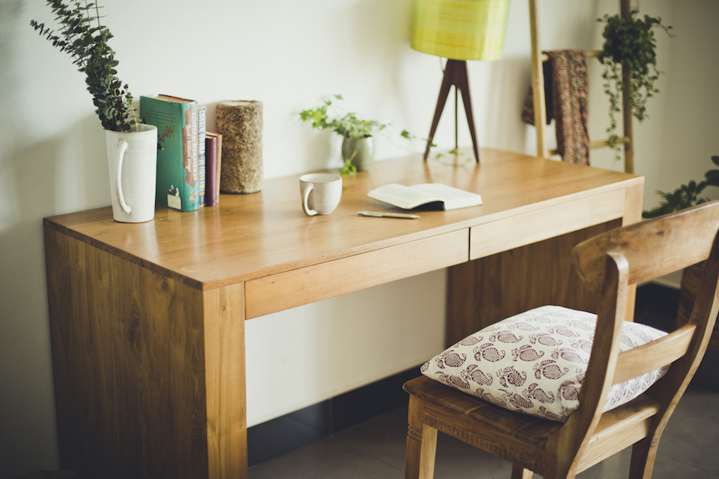 Kuno desk & chair in reclaimed teak.
