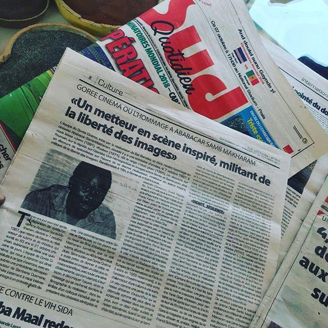 #SambCinema | Action !  Le Diisoo Cinema à #Gorée s'apprête et va bientot démarrer. Les tambours battent dans le coeur de #SaintLouis. Les écrans sont prêts et attendent la tombée de la nuit pour briller. . . À tout de suite . . #goreecinema #saintlouiscinema #retrospective #films #projections #enpleinair