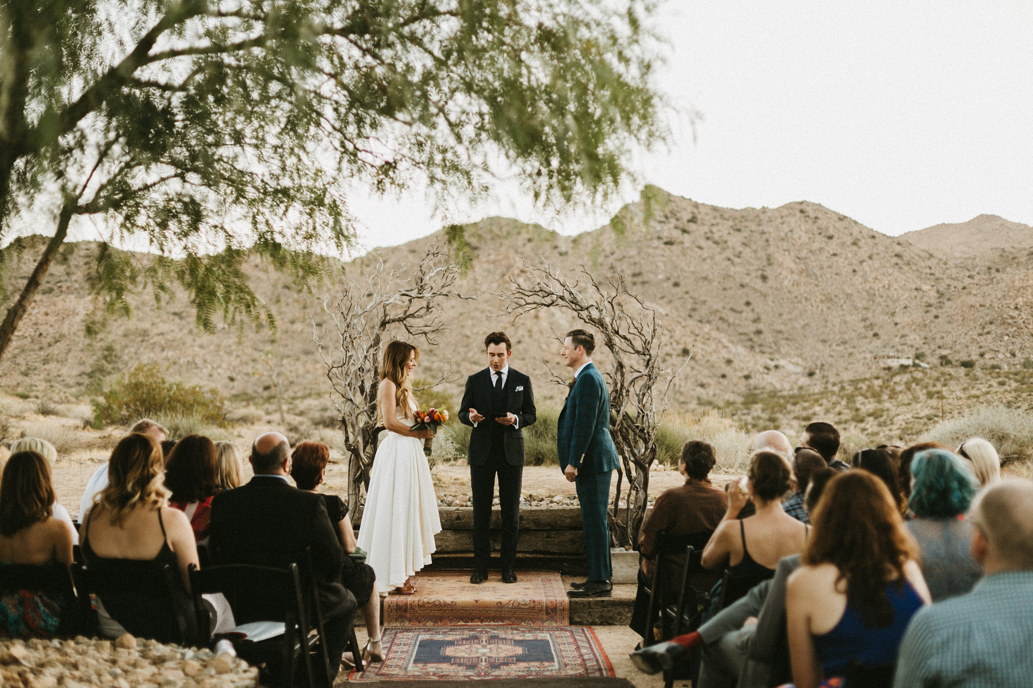 like-morning-sun-photography-sacred-sands-joshua-tree-california-wedding025.jpg