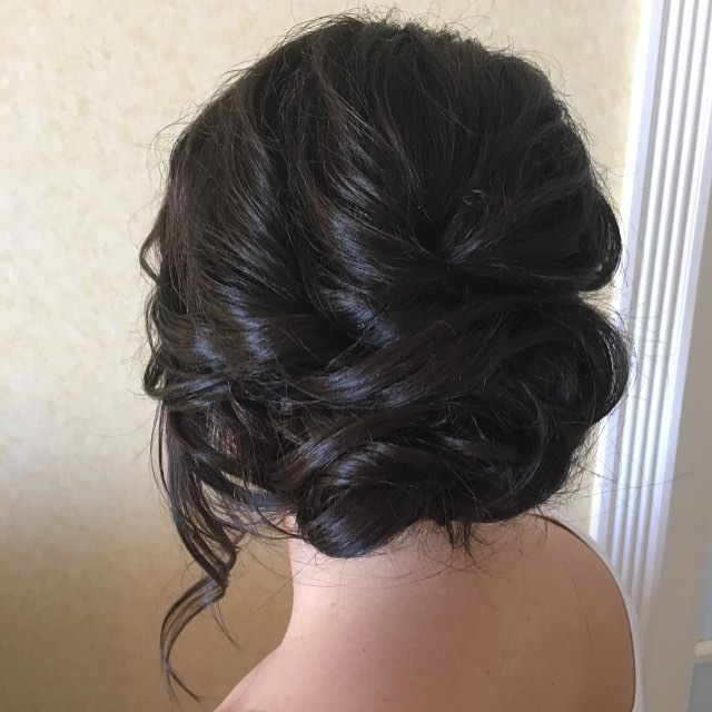 I never know if I am going to style brunettes or blondes for the bridal party ..... being prepared 😉#brides #hairstyles #bridesmaids #weddingfun #weddinghair #weddingseason #updo #upstyle #bridestyle #bridesmaiddress #hairstyles #haircolor #havinfun