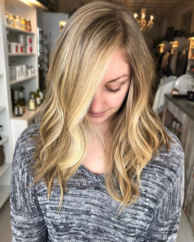 Buttery blonde balayage ✨✨created by @highvibehair #balayagehighlights #balayage #blondehair #prettyhair #hairpainting