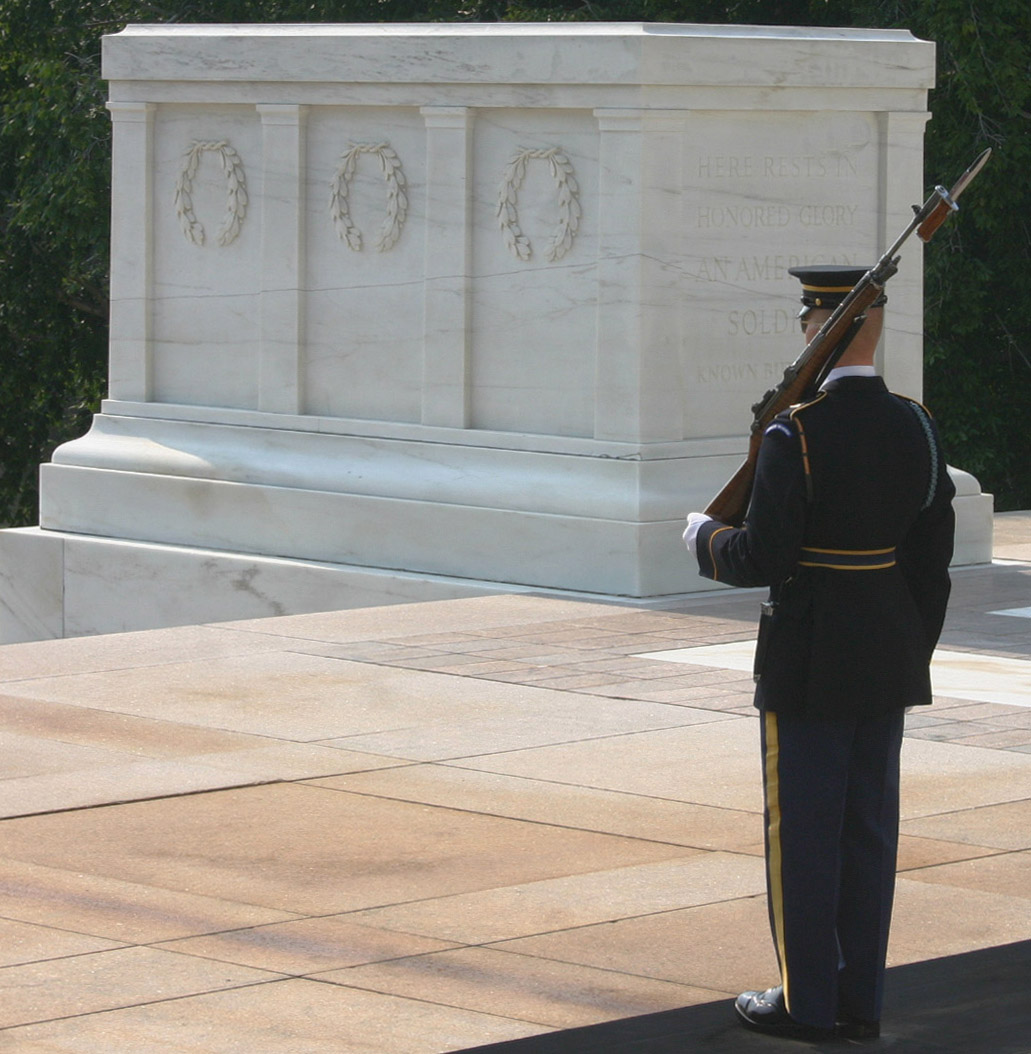 Tomb_of_the_Unknown_Soldier_8.jpg