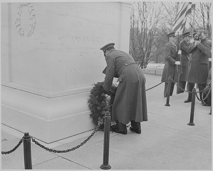 laying the wreath.jpg
