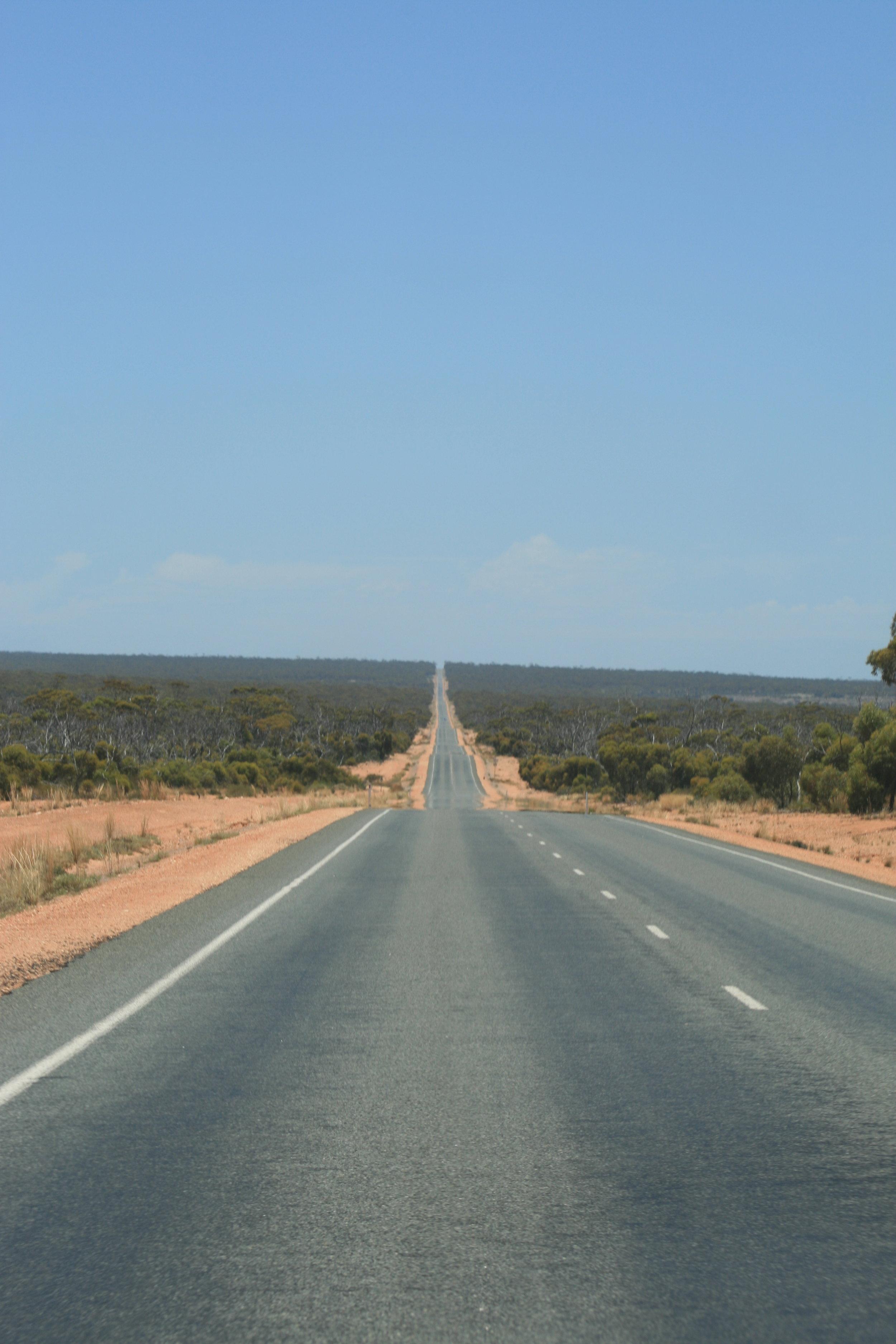 p160:2 Long road.jpg