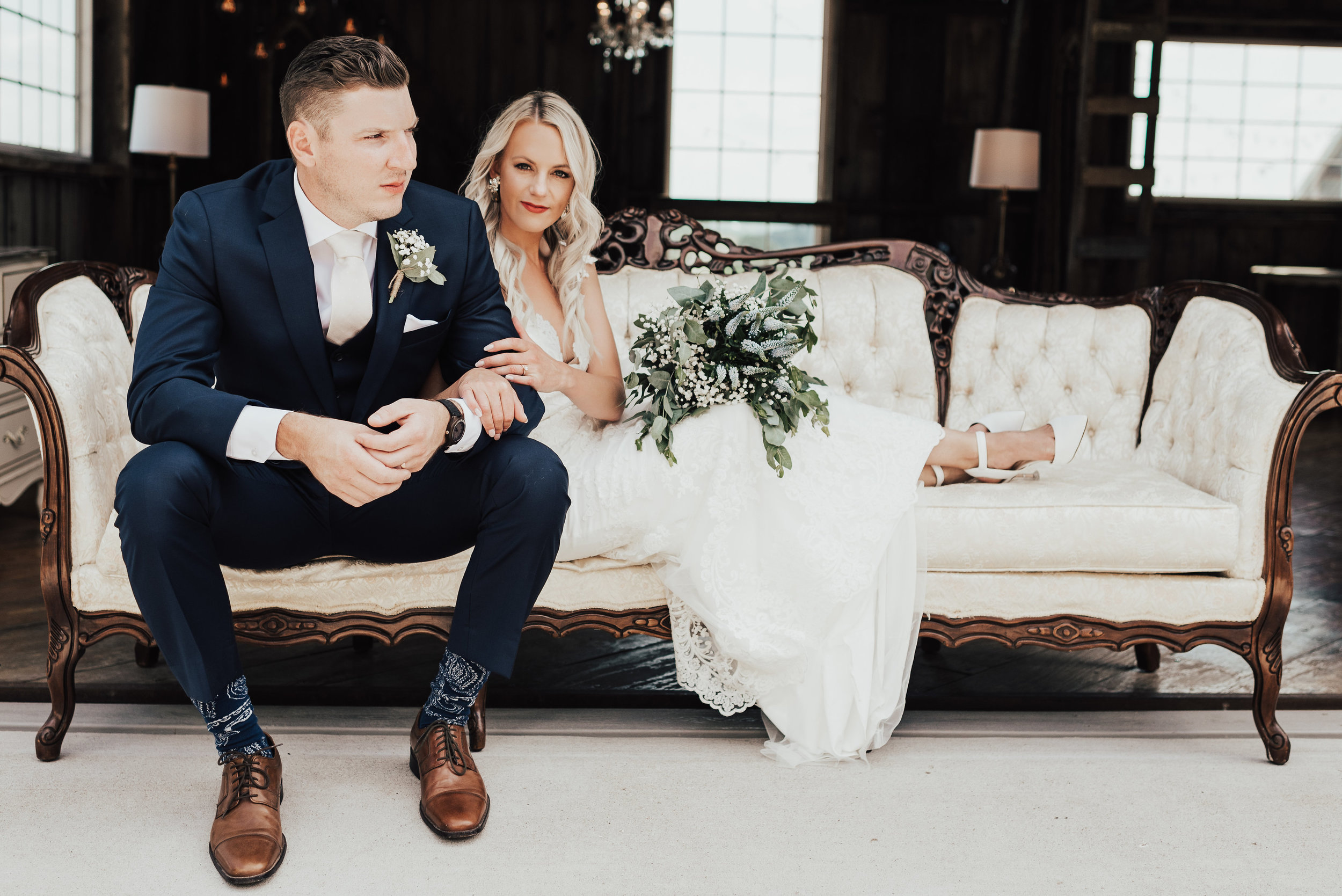 The stellar Host - Way to take care of your guests! From two thoughtful lounges to romantic table decor this package creates a memorable event that your guests will never want to leave.Photo: Steena Anne