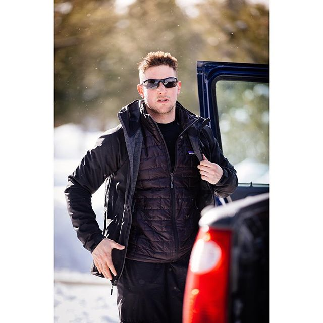 Getting ready for the next adventure! Photo and Warm Golden Light by @stevemakowski . . . . .  #naturelovers #actor #liveauthentic #thecreative #livefolk #mountainlove #handsome #instamountain #malemodel #model #fitness #unlimitedplanet #snow #freshpowder #ski #powpowpow #snowboarding #snowsnowsnow #snowboard #snowdrift #snowflake #snowselfie #boarding #snowsports #patagonia #sunglasses @thenorthface @patagonia