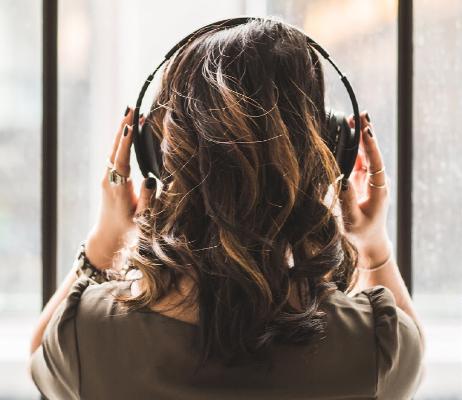 Listener_01.jpg