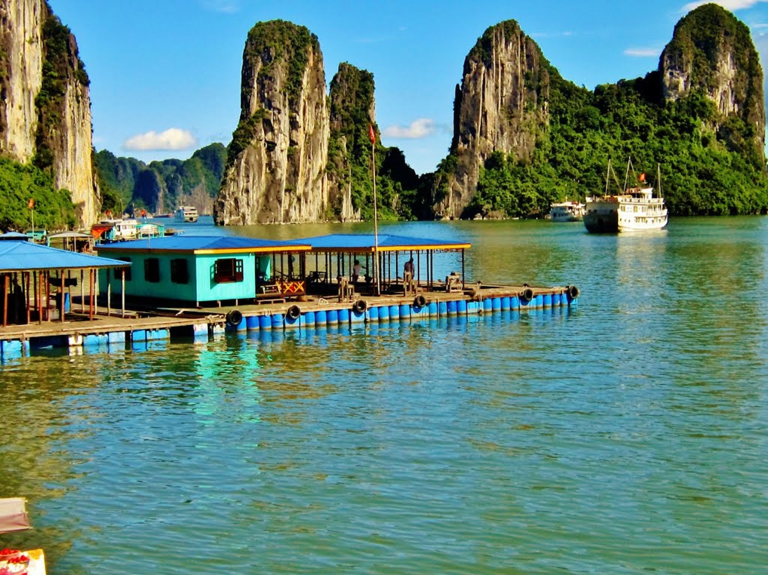 Halong Bay Vietnam (exclusive Tours to South East Asia)