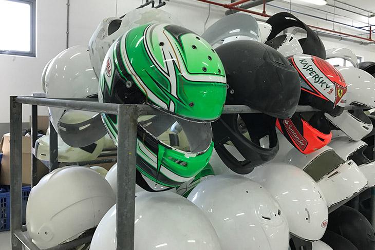 Bell-Helmets-Bahrain-Kimi.jpg