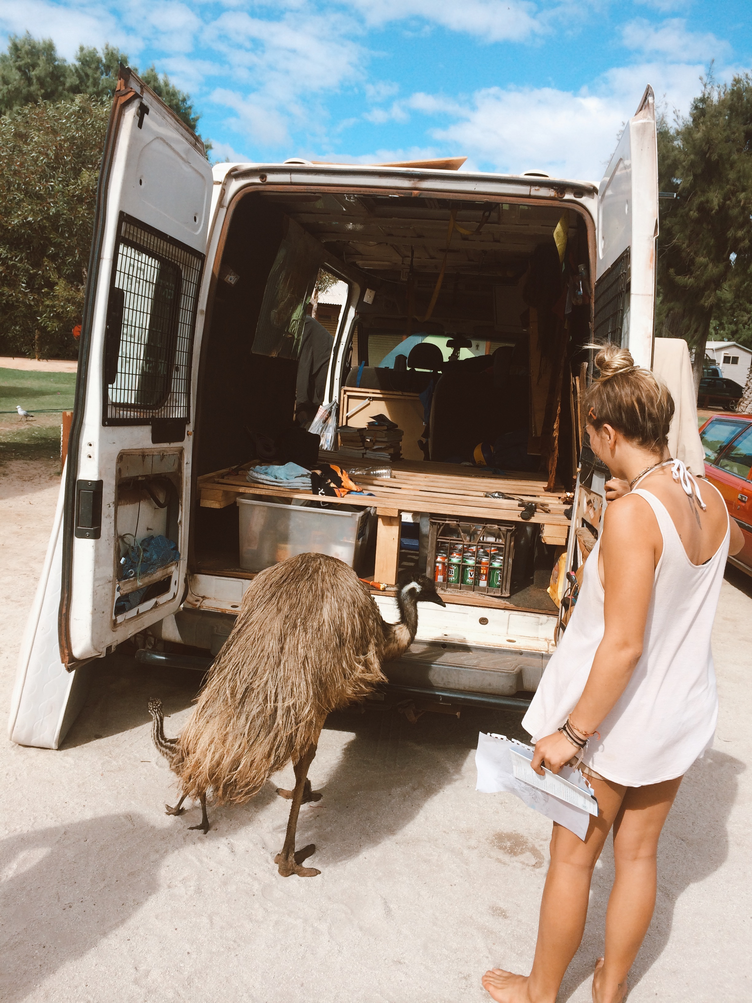 Truth bomb for the time-stressed: Cleaning days take the whole damn day. - My inner OCD LOVES ensuring that my home on wheels feels like sacred space. To balance the grubbiness of my being, it's a priority to keep the van tidy, fridge/esky organised and to stay on top of laundry (two day old hiking socks = turn off).